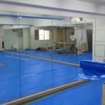 ダンススタジオの鏡工事